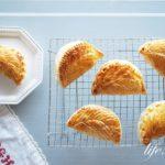 キャラメリゼしたりんごのアップルパイのレシピ。ショーソンオポム。