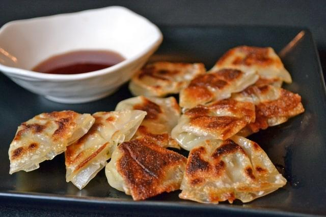 男子ごはんの一口しそ餃子のレシピ。大人気!大葉を使った絶品餃子。