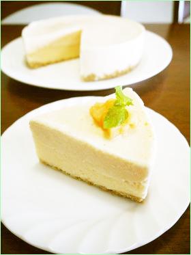 メロンのフローズンヨーグルトケーキ