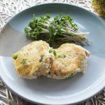 鮭缶と豆腐の落とし焼きのレシピ。あけぼの鮭缶の豆腐ハンバーグ風。