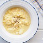 とろぷるチーズ卵とじのバズレシピ。白だしで簡単、美味しいです。