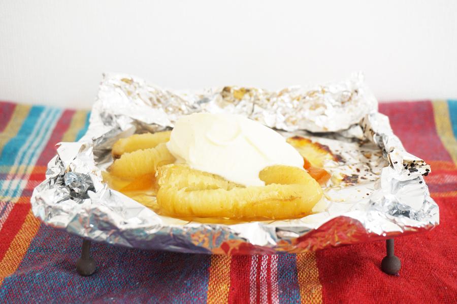 焼きバナナのアイスクリーム添えホイル焼きのレシピ