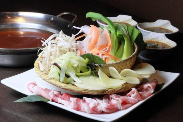 男子ごはんのひらひら柚子胡椒鍋のレシピ。豚バラと大根の鍋。