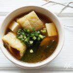 栗原はるみさんの味噌汁のレシピ。わかめと油揚げ、豆腐の味噌汁。