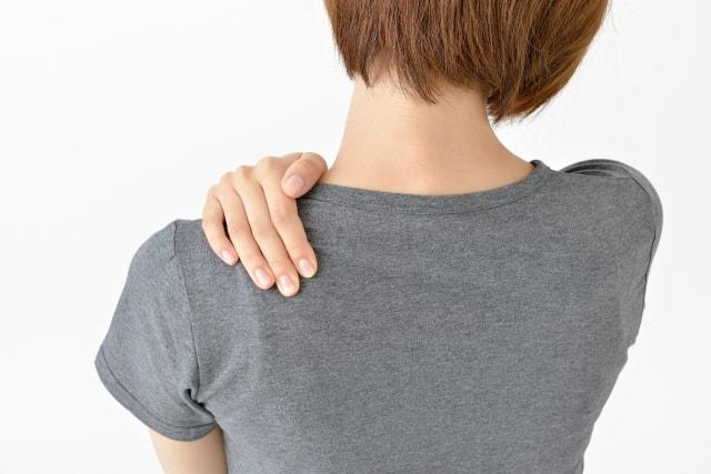 肩甲骨はがし体操のやり方