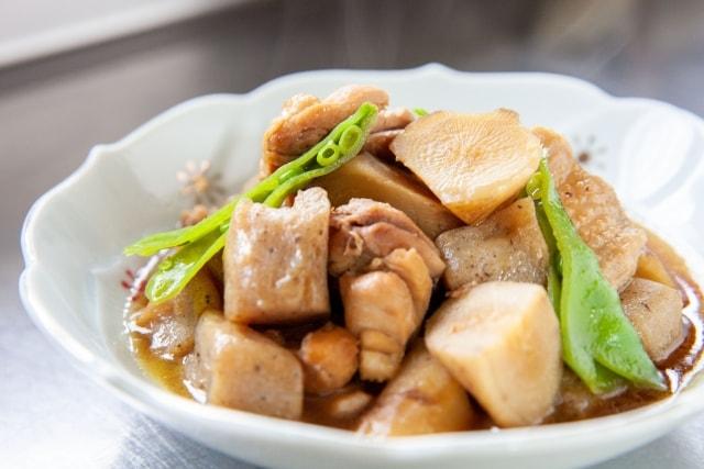 鶏肉と根菜のごま酢じょうゆ煮