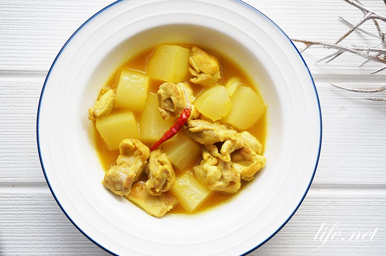 男子ごはんの冬瓜カレーのレシピ。鶏肉と酢のスープカレー風煮込み。