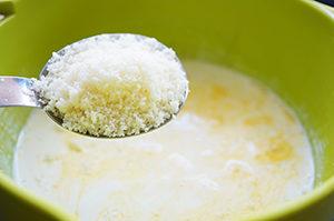 糖質0麺カルボナーラのレシピ。糖質制限でも本格的な味が楽しめる!