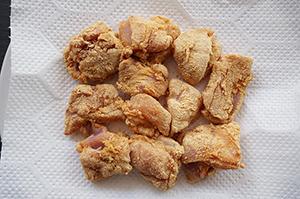 ロカボ唐揚げの作り方。きな粉と電子レンジで揚げない低糖質レシピ。