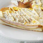 男子ごはんのハムエッグチーズトーストのレシピ。フライパンで簡単!