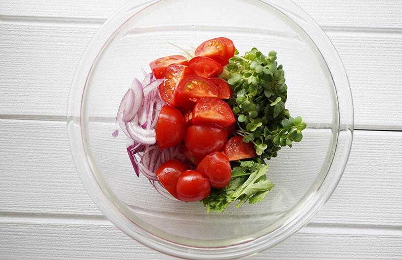 ナンプラードレッシングのタイ風トマトサラダのレシピ