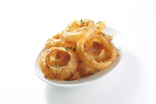 男子ごはんのオニオンリングフライのレシピ。人気の味が簡単に。