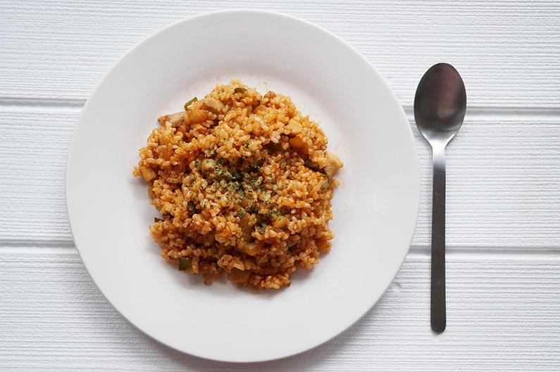男子ごはんのトマトライスのレシピ。炊飯器+トマトジュースで簡単。