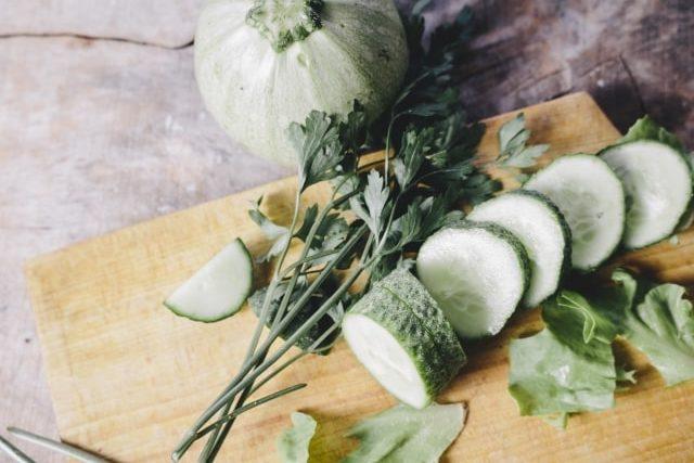 ズッキーニのカルパッチョ風のレシピ。あさイチで話題、生でサラダに。