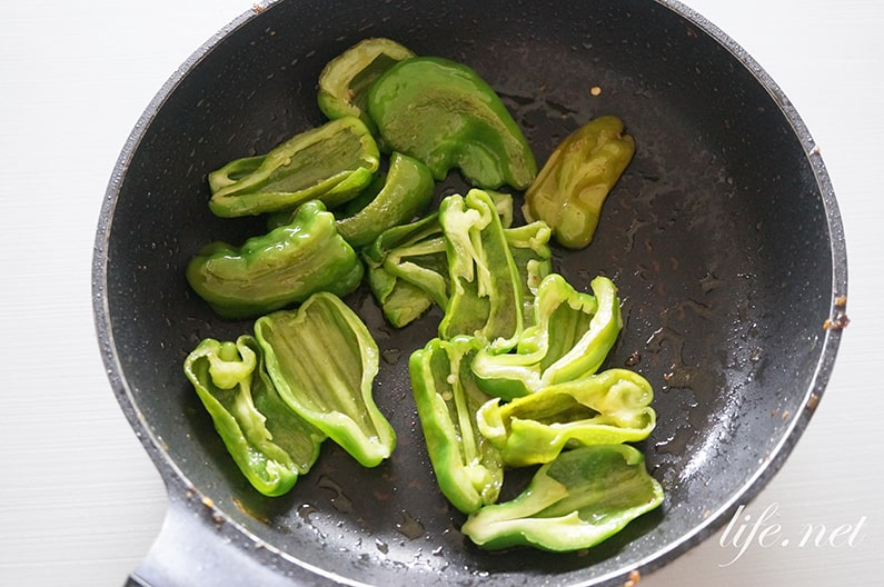 ピーマンの焼き浸しのレシピ。レンジとフライパンで簡単!