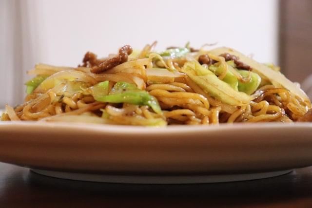 電子レンジ焼きそばのレシピ。あさイチで話題のレンジアップ惣菜。