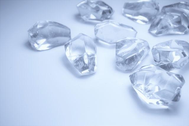 あさイチの氷マッサージのやり方。肌トラブルに効果的。