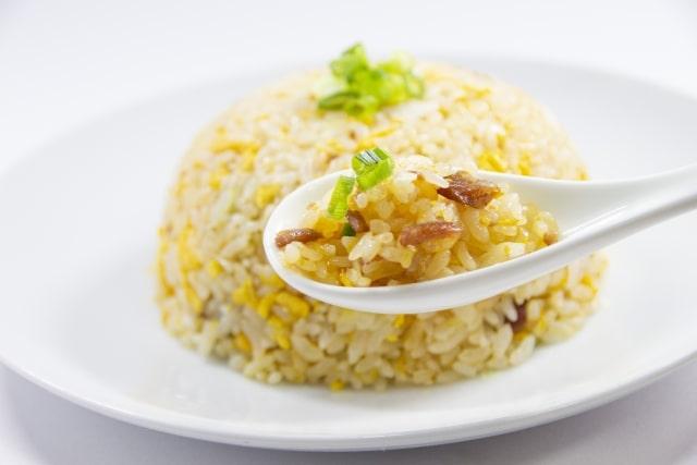 男子ごはんの桜エビと塩昆布のチャーハンのレシピ。卵なし和風炒飯。