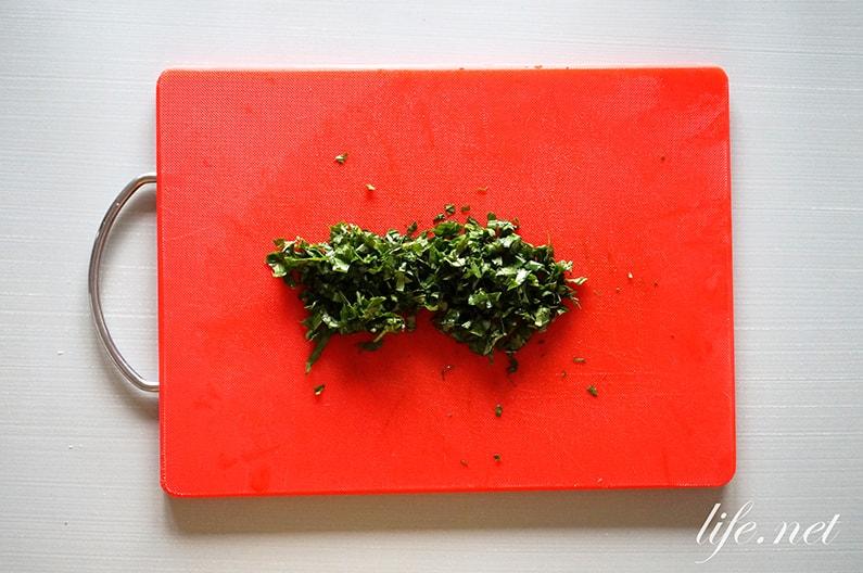 平野レミさんのトマトの丸ごとサラダのレシピ。絶品ツナマヨサラダ。