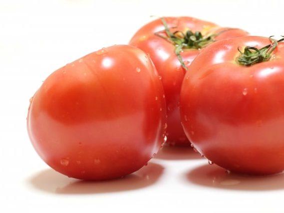 平野レミさんのトマトの丸ごとサラダのレシピ。モニタリングで紹介。