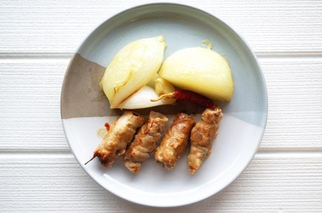 相葉マナブのトマト豚肉チーズ巻きのレシピ。トマトを入れた肉巻き。