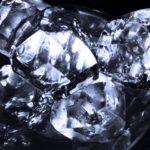 透明な氷の作り方。ハナタカで話題、割り箸でゆっくり凍らせるだけ。