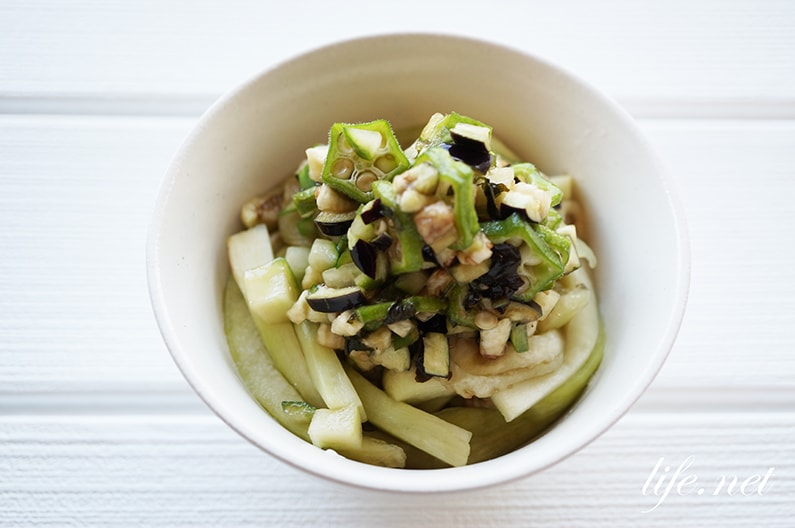 相葉マナブのなすの万能薬味のレシピ。刻んでめんつゆと和えるだけ。