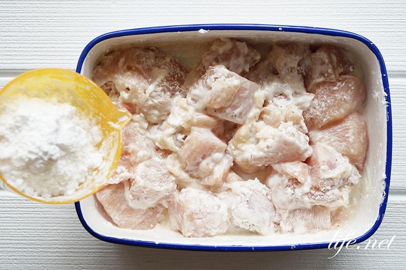 鶏胸肉の唐揚げのレシピ。塩麴の下味と2層の衣で作るプロの作り方。