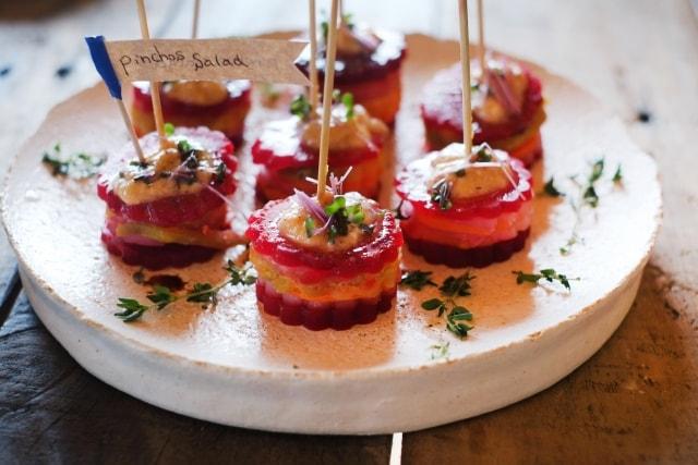 あさイチのビーツのタルタルのレシピ。マグロとトマトで前菜に。