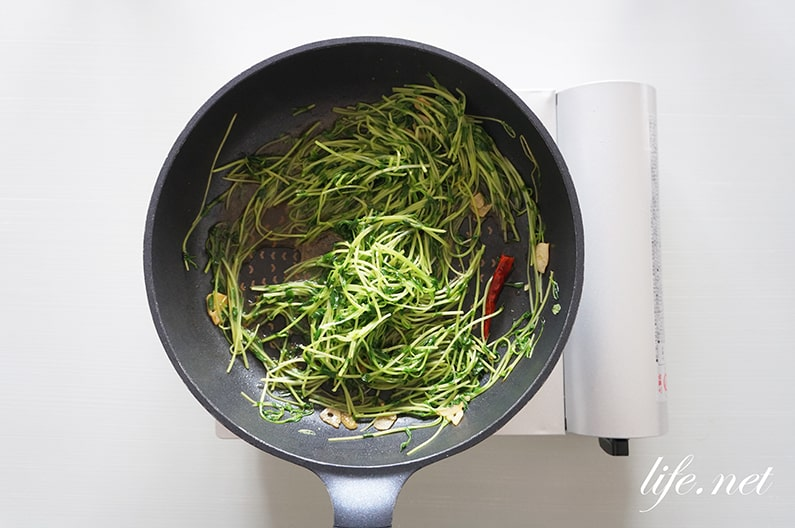 男子ごはんの豆苗の青菜炒めの作り方。中華の人気レシピ!