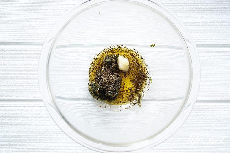 男子ごはんのメカジキのパクチーソテーのレシピ。たれが最高です。
