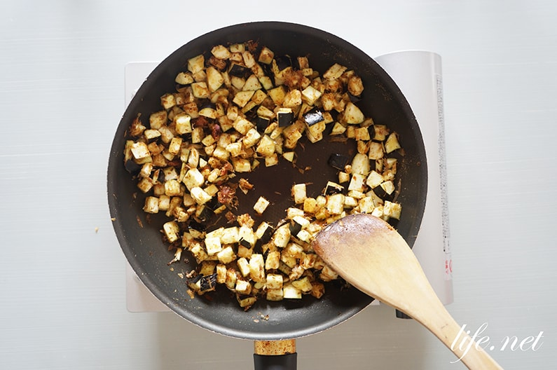 なすと梅干しの精進そぼろのレシピ。ご飯のお供に合う肉なしそぼろ。