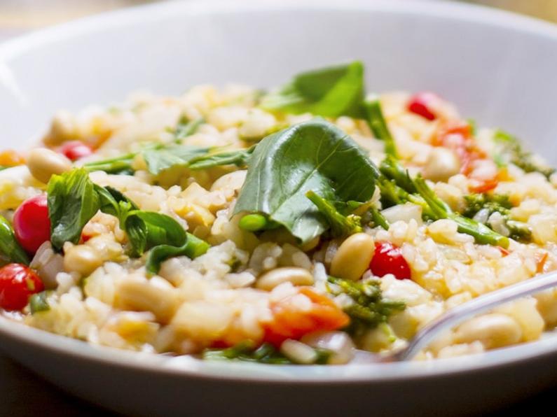 男子ごはんのイタリアンチャーハンのレシピ。トマトとバジルで。