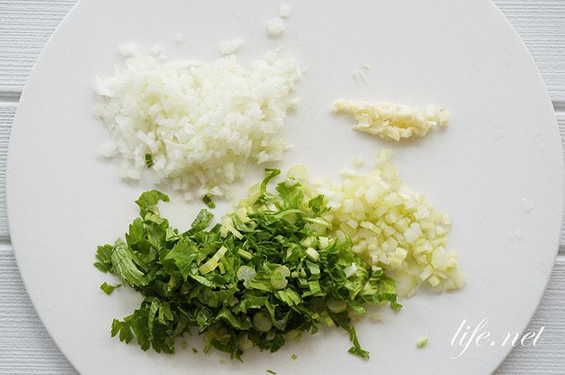 平野レミさんの鶏レバーとほうれん草のパスタのレシピ。ポパイパスタ。