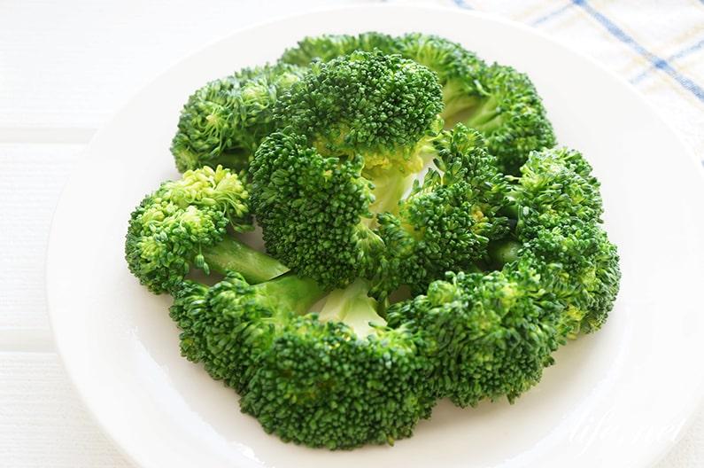 ブロッコリーの栄養を逃さない調理法はレンジで!加熱時間も紹介。