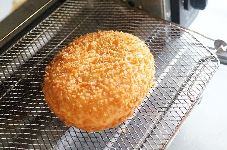 カレーパンの温め方。霧吹きとオーブントースターでさっくさくに!