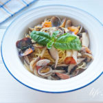 平野レミさんのすいとりボンゴレきのこパスタのレシピ。茹でないで簡単。