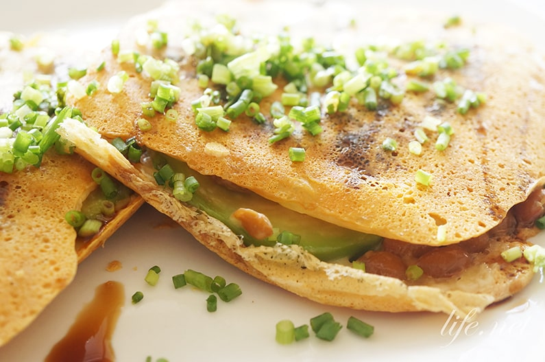 志麻さんのチーズ納豆アボカドサンドのレシピ。フライパンで簡単!