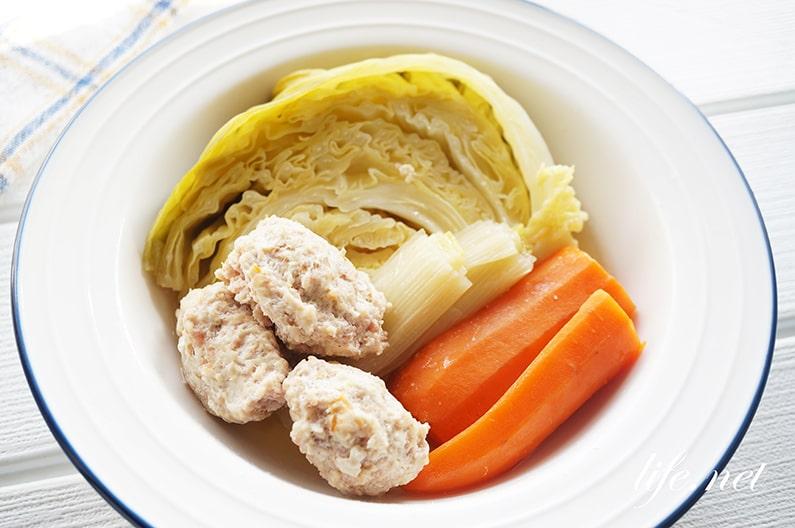 志麻さんのポトフのレシピ。ウインナー入り鶏団子の絶品ポトフ。